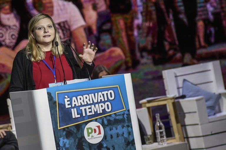 """Ha 36 anni ed è sindaca al secondo mandato di Marzabotto, sull'Appennino bolognese. Emozionata, dal placo ha ricordato """"precari e precarie come me"""""""